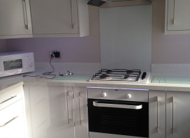 White Hi Gloss Lusso kitchen